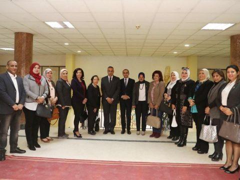 بالصور....محافظ سوهاج يلتقي بمجلس القومي للمرأة